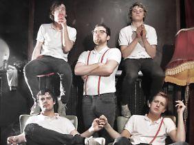 Die Bandmitglieder sind alle Anfang 20.