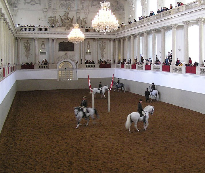 Datei:Spanische Hofreitschule3, Vienna.jpg