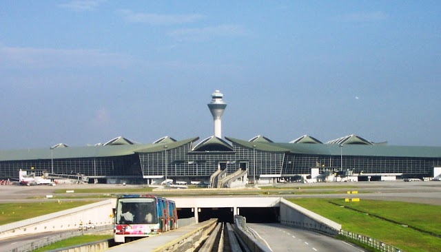 Hello Traveller, Airport Tax Nak Naik !!