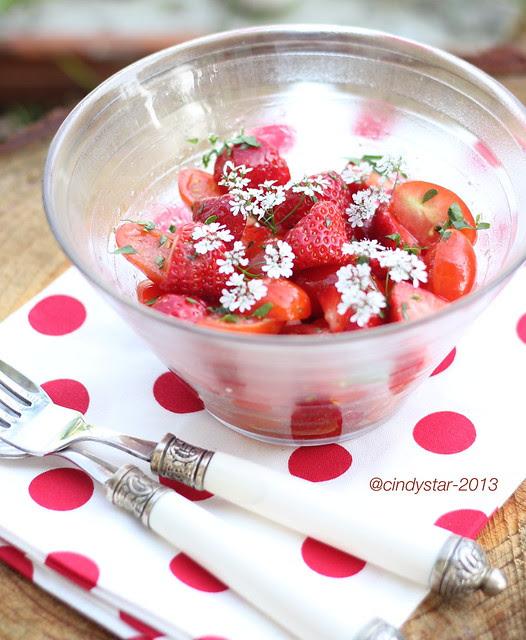 insalata fragole pomodori