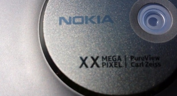 Nokia EOS video shows mechanical shutter on oversized PureView module
