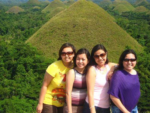 Marj, Lib, Anna, me and the Choclate Hills