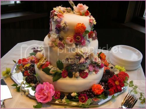 how to make wedding cake flower decorations laptop edible flowers as wedding cake decorations 16022