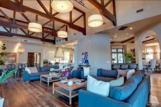 Britney Spears House (3)