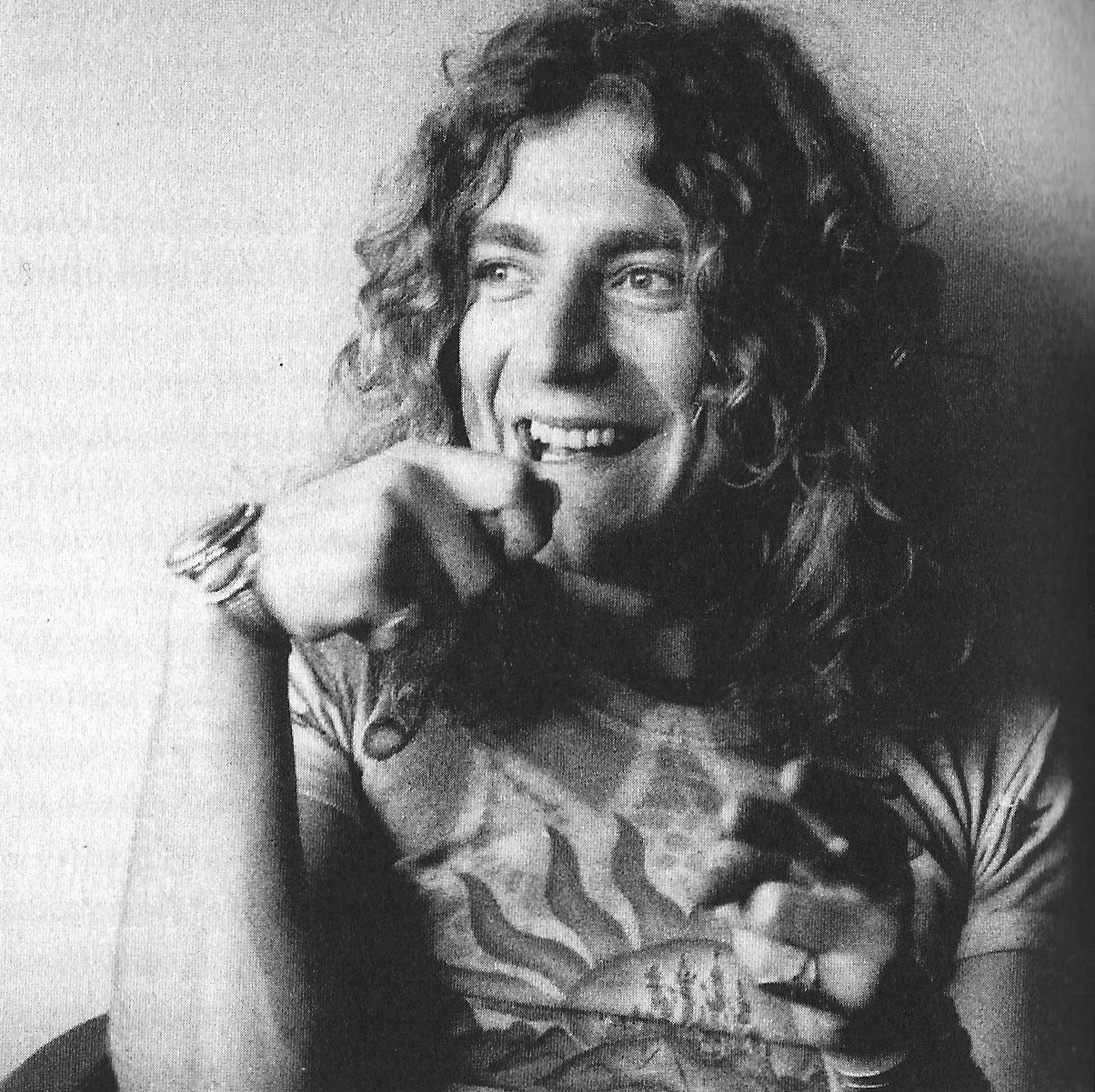 robert plant photographed recently - HD1200×1567