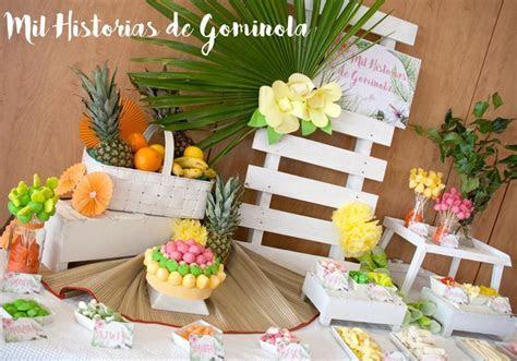 Candy bar, mesa de chuches, inspiración tropical, verano