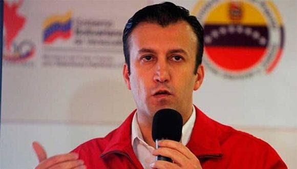 Tareck El Aissami fue el encargado de revelar los violentos planes de la oposición para atacar bases militares. Foto: AVN.