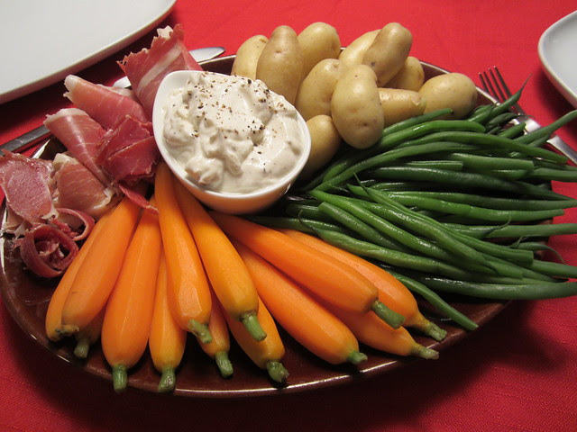 crudités and Greek yogurt dip