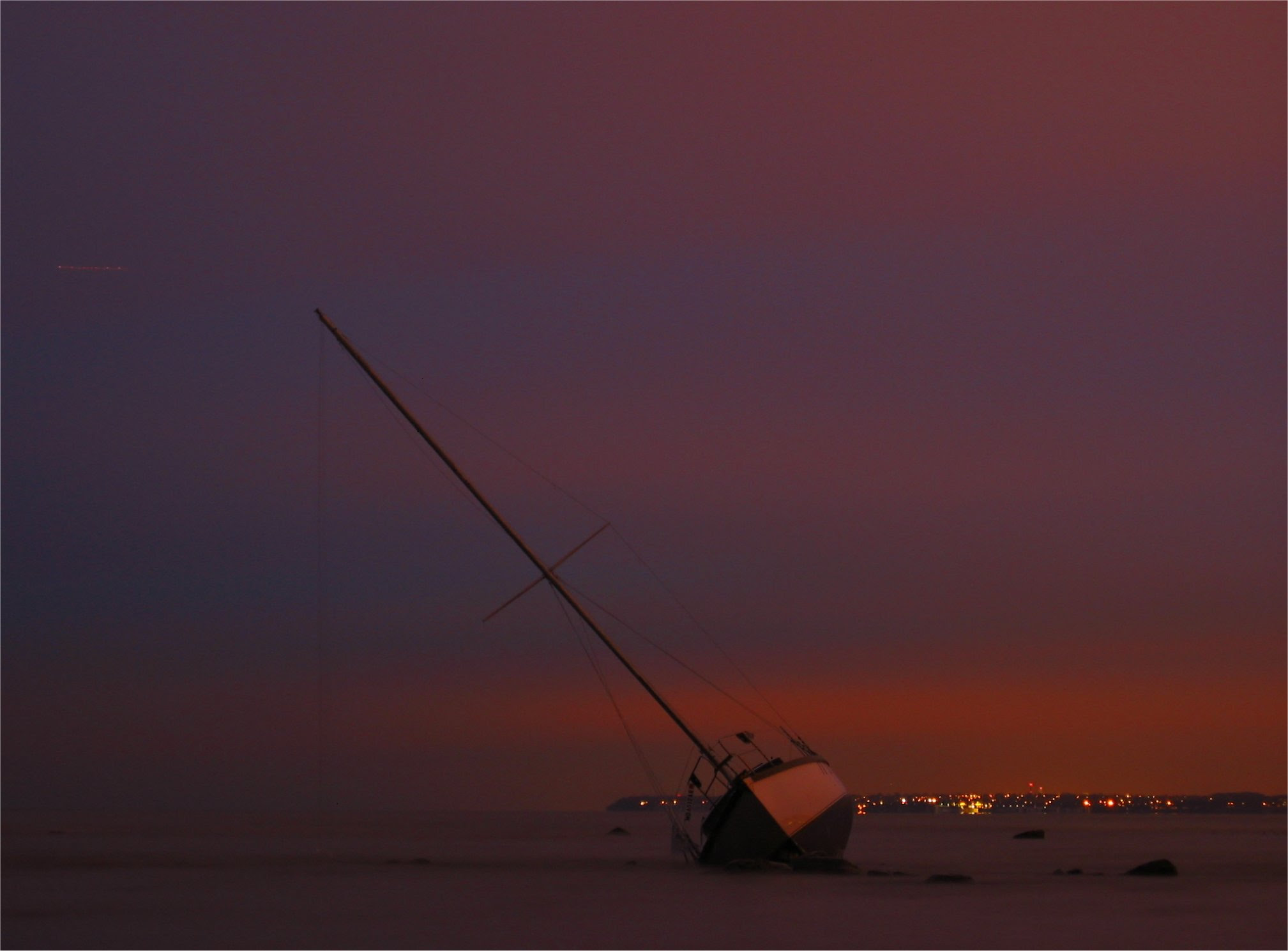 Milwaukee grounded sailboat at sunset - 12-03-2007 - soul-amp.com