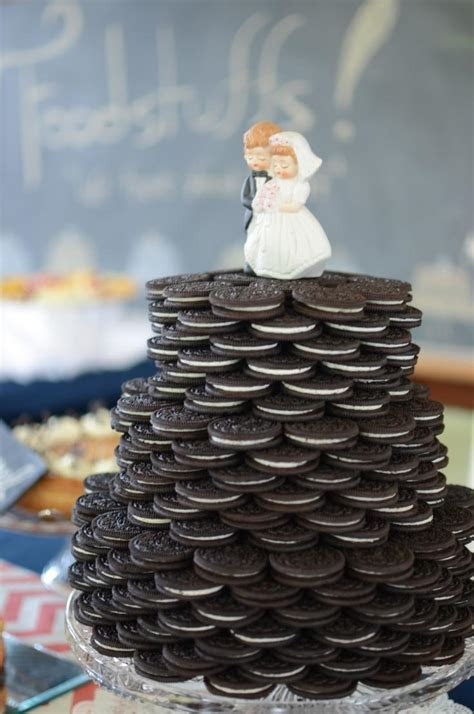 4 Unusual and Delicious Wedding Cake Towers   Arabia Weddings