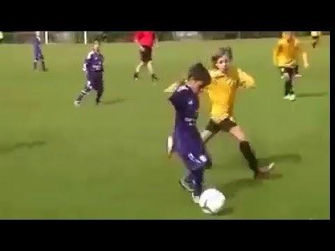 أروع وأجمل مهارات الأطفال في كرة القدم مقطع مميز وجميل جداً