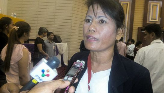 Toch Ser, the newly elected Free Trade Union president, talks to the media last month at a union congress in Phnom Penh.