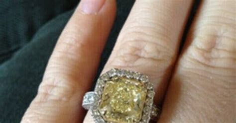 Kelly Clarkson's Massive Engagement Ring?Take a Look!   E