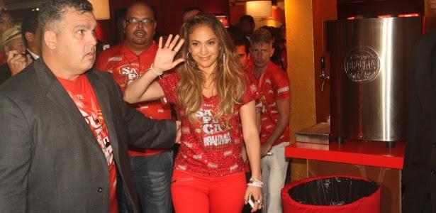 Cantora Jennifer Lopez foi embora da Sapucaí depois de 1h40 no camarote