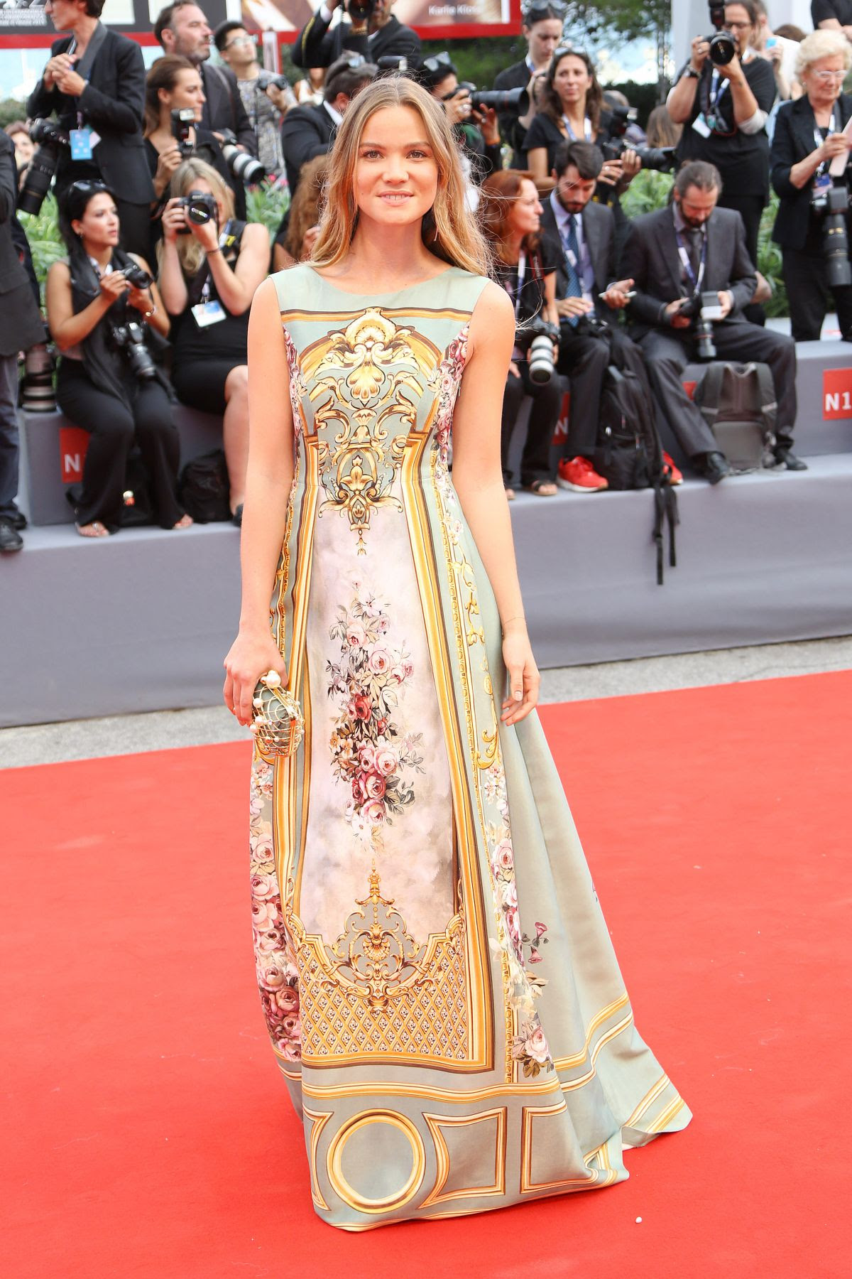 http://www.hawtcelebs.com/wp-content/uploads/2015/09/fiammetta-cicogna-at-everest-premiere-and-72nd-venice-film-festival-opening-ceremony_5.jpg