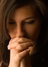 woman praying5