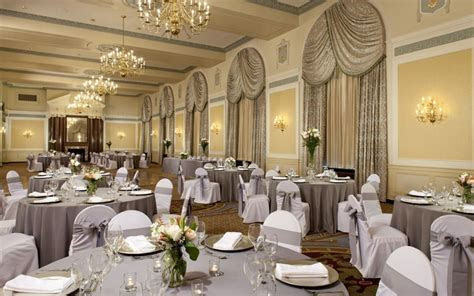 5 Reasons to Host your Wedding Reception at the Francis