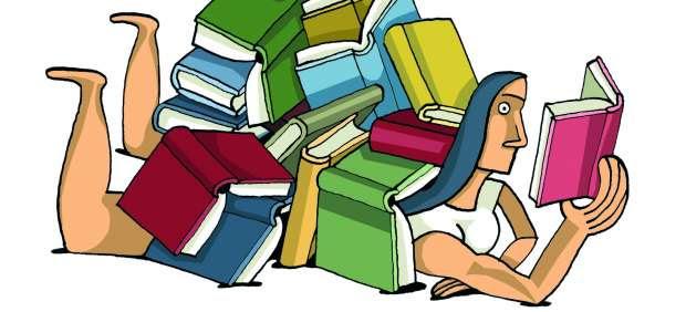 Mujer leyendo libros