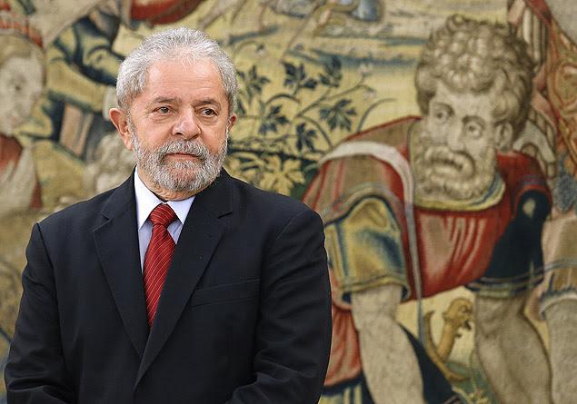 GRA271. MADRID, 10/12/2015.- El expresidente de Brasil Luiz Inácio Lula da Silva, momentos antes de ser recibido en audiencia por el Rey Felipe VI, hoy en el Palacio de la Zarzuela en Madrid. EFE/Zipi ORG XMIT: GRA271