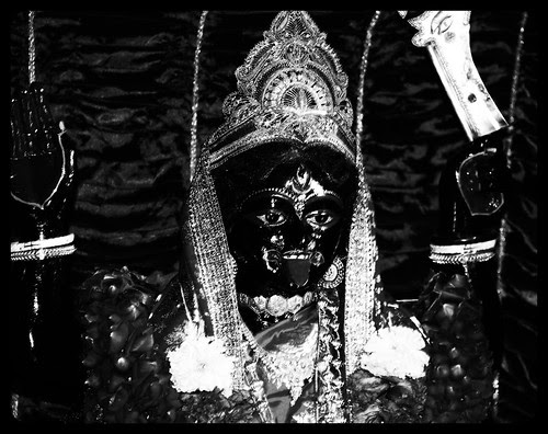 Jai Kali Kalkatte wali tera wachan na jaye khali.. by firoze shakir photographerno1