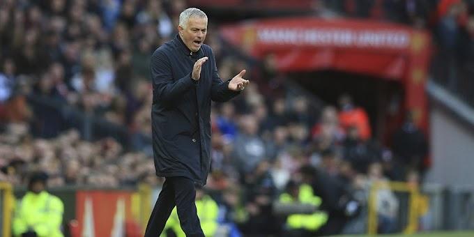 Bukan Mourinho yang Salah, Skuat MU yang Memang Terlalu Lembek
