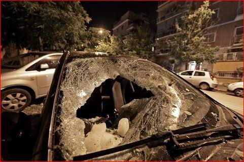 mégacryométéore rome italie, accidents mégacryométéore sur voiture rome italie, voiture détruite par mégacryométéore rome italie, voiture mégacryométéore rome, mégacryométéore photos rome