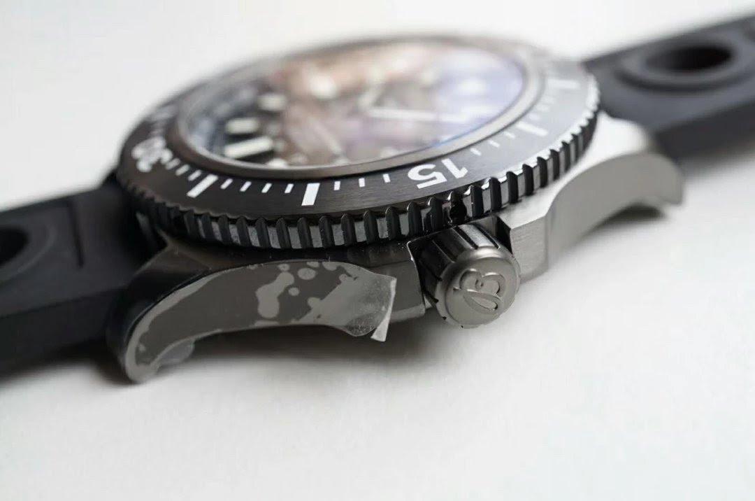 Replica Breitling Superocean BlackSteel Crown