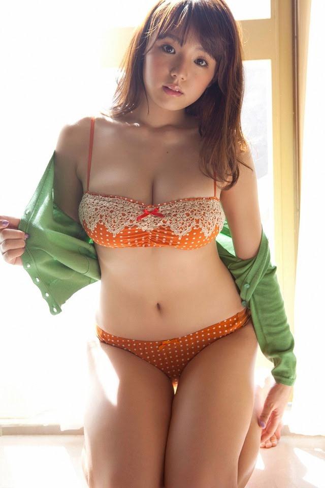 shinozaki_ai_youngsundayweb_3_10