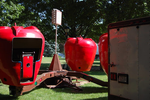 will the spinning apple ride return this year? We'll see!
