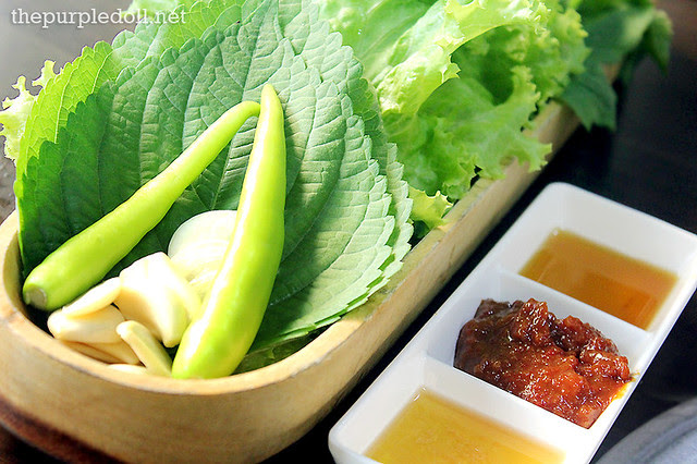 Leaves and other condiments for Korean BBQ