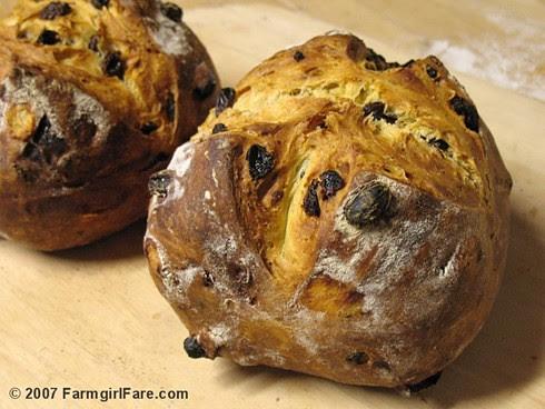 Italian Rosemary Raisin Bread
