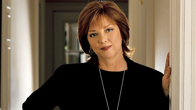 695484 nora roberts Top 10 Highest Paid Authors of All Time