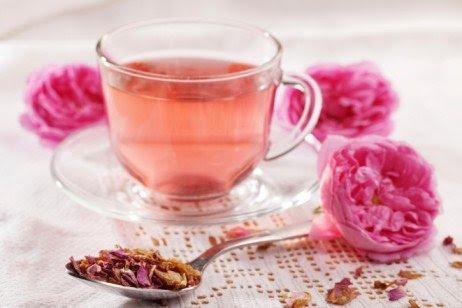 Chá de rosas para refrescar