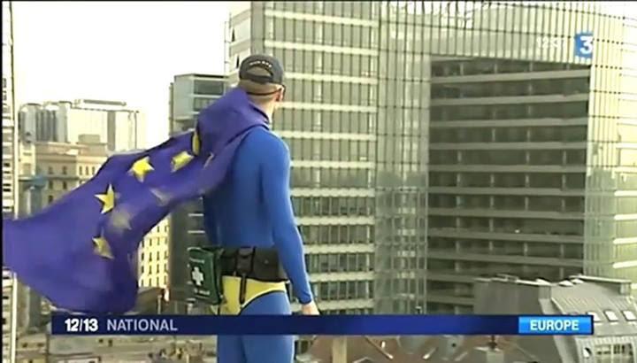 10446505 10152576508202612 726889976427238424 n Avec l'invention grotesque de « Captain Europe », la propagande européiste prouve qu'elle est aux abois