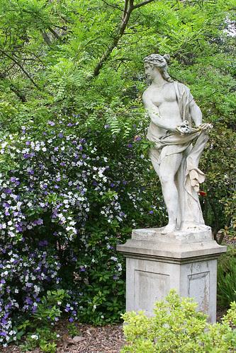 huntington statuary