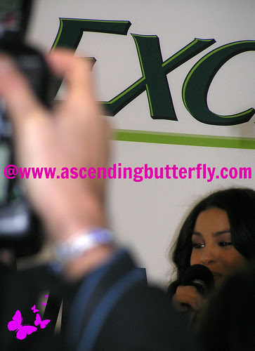 DRExcedrin Event Herald Square trying to get a shot of Jordin Sparks 02 WATERMARKED