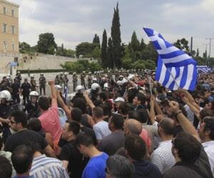 grecia-se-paraliza-hoy-por-la-huelga-general-contra-los-nuevos-recortes1