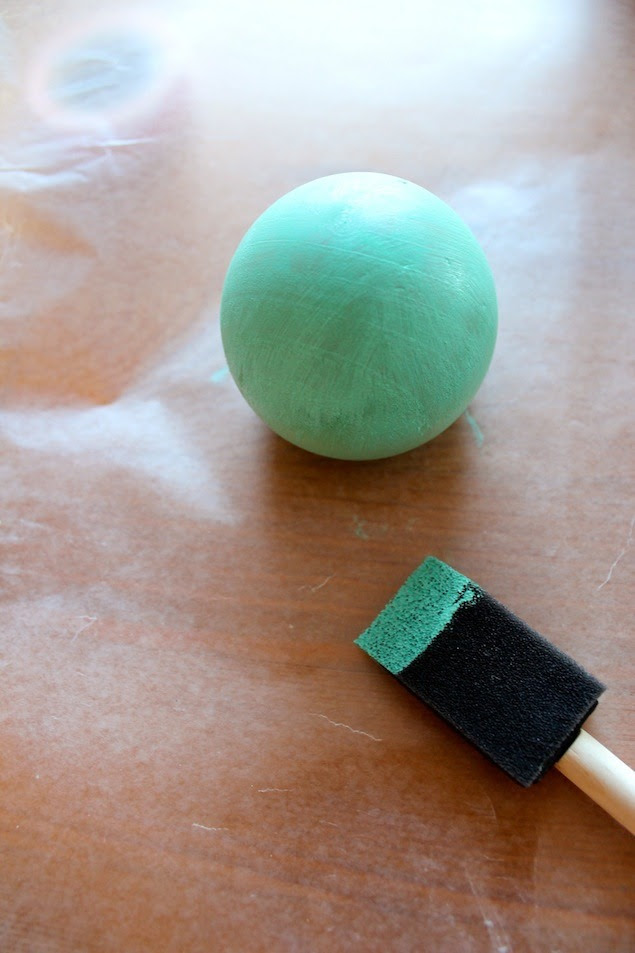 making chalkboard and ombre wooden paper weights