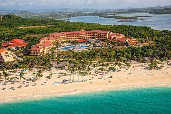 Fotografía de archivo del Hotel Río de Mares, ubicado en el municipio de Rafael Freyre, provincia de Holguín, Cuba. ACN FOTO/Juan Pablo CARRERAS