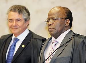 Joaquim Barbosa (dir.) é o novo presidente do STF; ele vai assumir em novembro, com a aposentadoria do ministro Ayres Britto