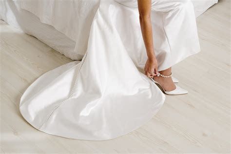 White wedding shoes   Articles   Easy Weddings