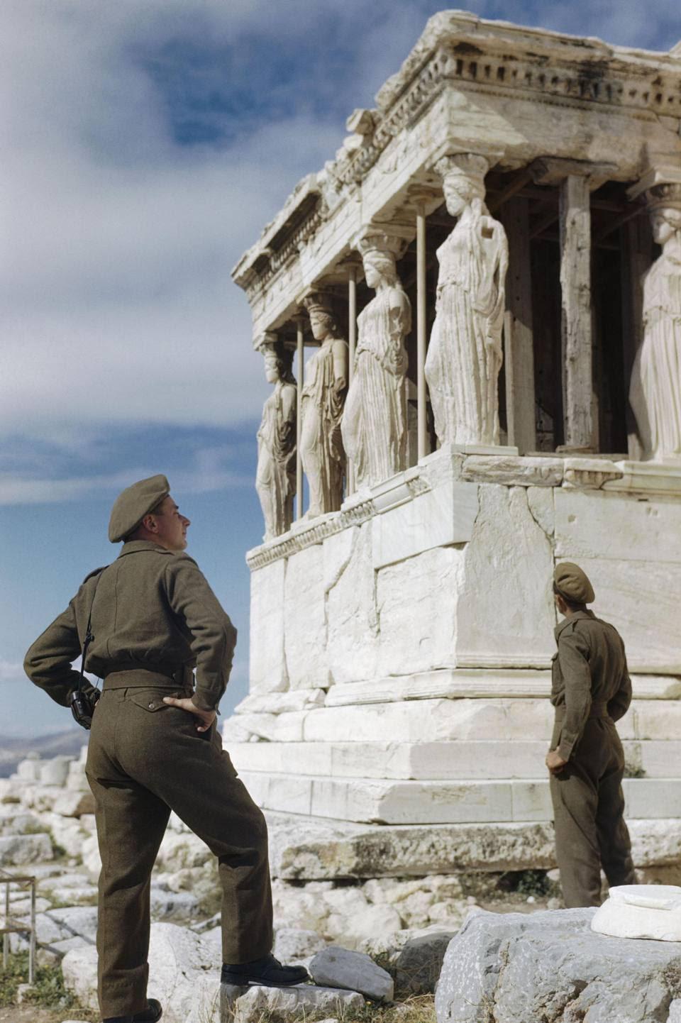 Non c'è pace sotto l'Acropoli