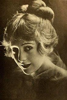 Jewel Carmen 1918.jpg