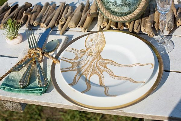 nautical, coastal Maine place setting by daisies & pearls, captured by Hailey Tash Photography