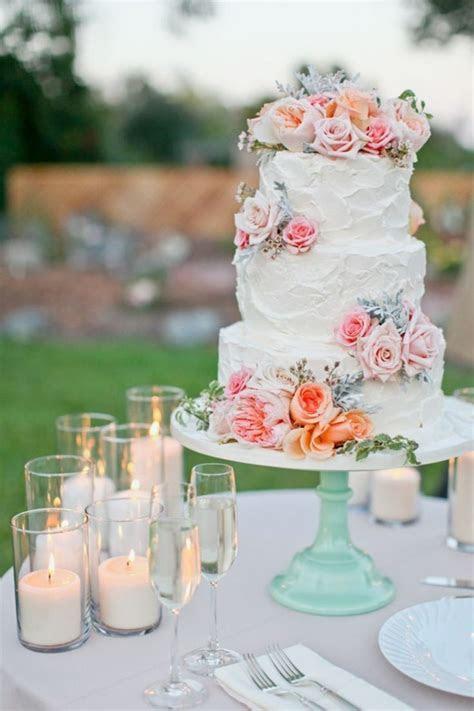 Mariage bohème chic pour une fête au printemps ou en été