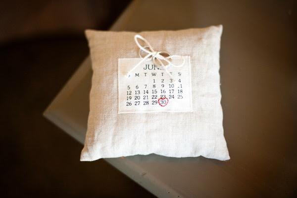 Cojin portaanillos con calendario