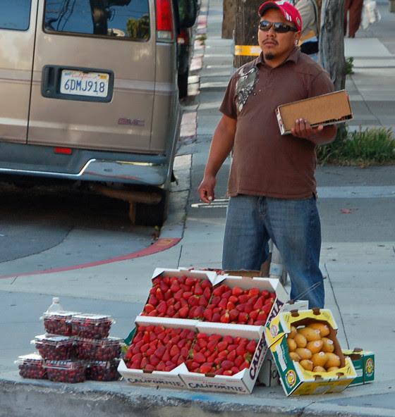 2strawberry-vendor.jpg