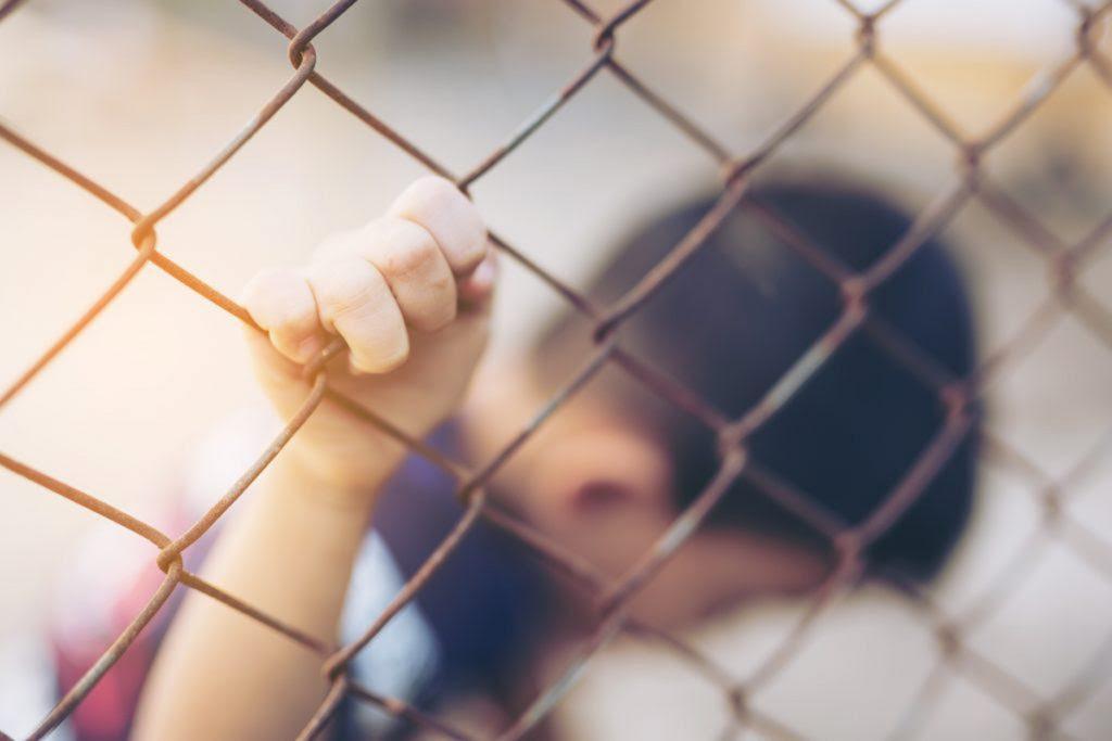 Foto16 Criancas em abrigo Detenção de crianças imigrantes gera indústria bilionária