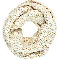 Cream chunky knitted snood