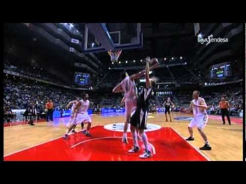 Real Madrid - Rudy Fernandez incredibile tiro da tre